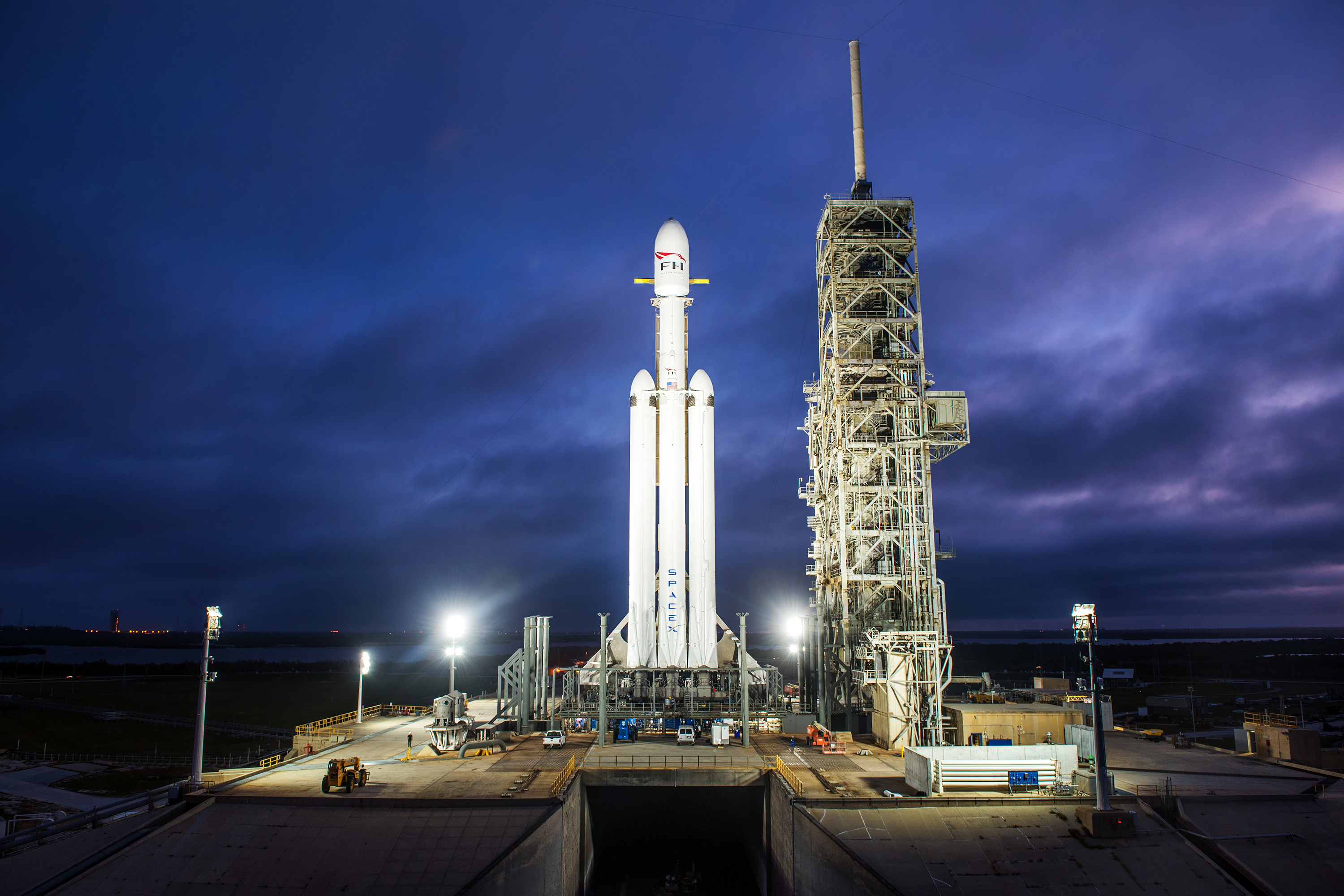 Falcon Heavy spacecraft